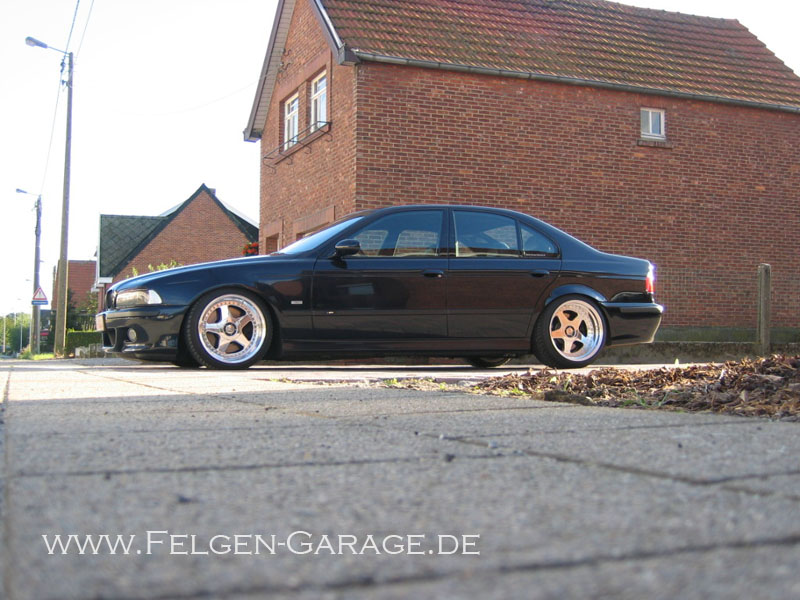 E39 On 17 Quot Oz Futura Wheels